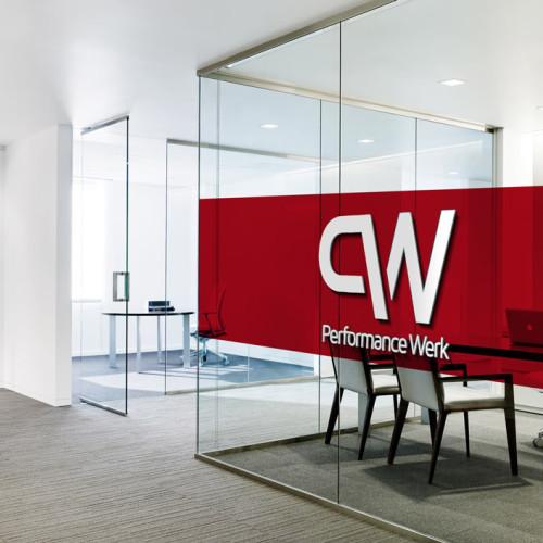 Logo Buchstabe P und W