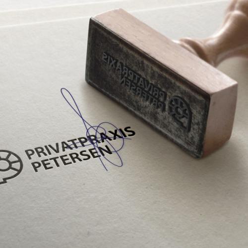 Buchstabe P Logo