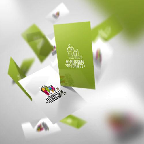 Logo Gemeinsam Geschafft Erreicht Gezeichnet Familie Fertiges Logo kaufen