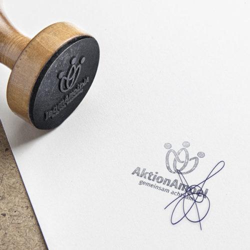 Logo Verbunden Menschen Ampel Gemeinsam Achtsam Möbius Band | Fertiges Logo kaufen | LogoShop LogoAtelier.eu
